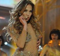 Jennifer Lopez aos 45 anos ainda é deusa