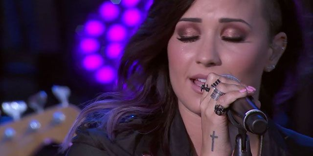Demi Lovato canta Let It Go ao vivo