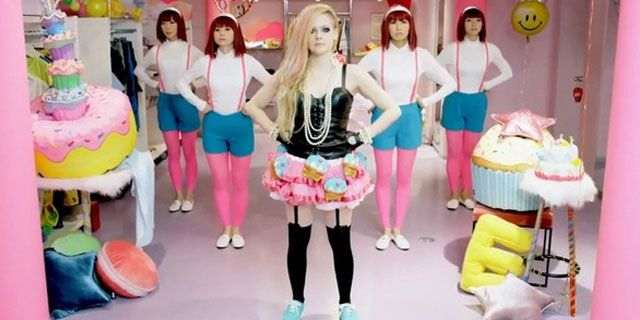 Hello Kitty: saiu o novo clipe da Avril Lavigne